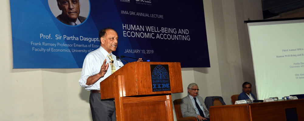 Prof. Sir Partha Dasgupta delivering the Third IIMA-SRK Annual Lecture